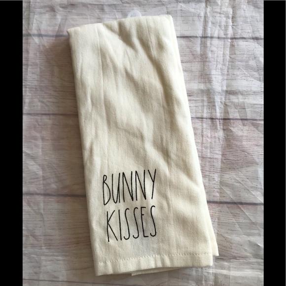 New Rae Dunn Han towels pair of 2 bunny buns